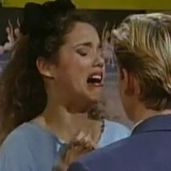 Elizabeth Berkley's Epic 'Saved By The Bell' Reenactment
