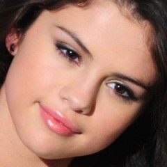 Check Out Selena Gomez Without Makeup