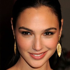 Gal Gadot Is Wonder Woman In 'Batman Vs Superman'