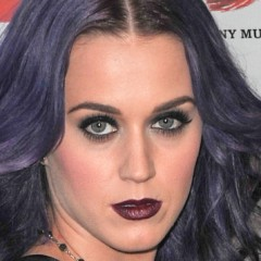 Katy Perry's New Hairdo is Bizarre Even For Her