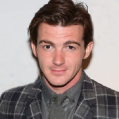 Drake Bell Sets Off Twitter Feud With 'Talentless' Justin Bieber