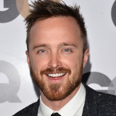 Aaron Paul Hits Cheers Bar In Boston With Fans
