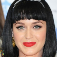 Katy Perry Dyes Her Hair Green