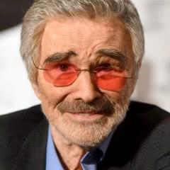 Burt Reynolds Makes a Rare Red Carpet Appearance