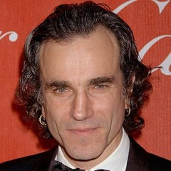Daniel Day-Lewis Stuns In First Official Lincoln Photo