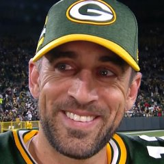 240 Aaron Rodgers Leaves Game Injured But Leads Stunning Gb Comeback