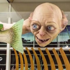 New Zealand Airport Has a Giant Gollum
