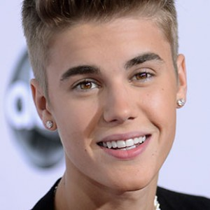 Justin Bieber Turning Into Donnie Wahlberg?
