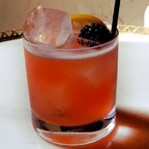 6 Essential Cocktails for September Entertaining
