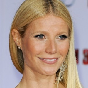 Gwyneth Paltrow's Latest Horrible Fashion Choice
