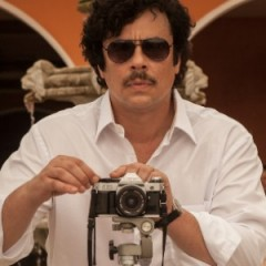 First Look at Benicio Del Toro as Pablo Escobar