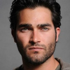 Tyler Hoechlin For New Batman: Plot for Supes/Bats