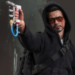 Tony Stark Attacks Mandarin's Mansion Figure Revealed