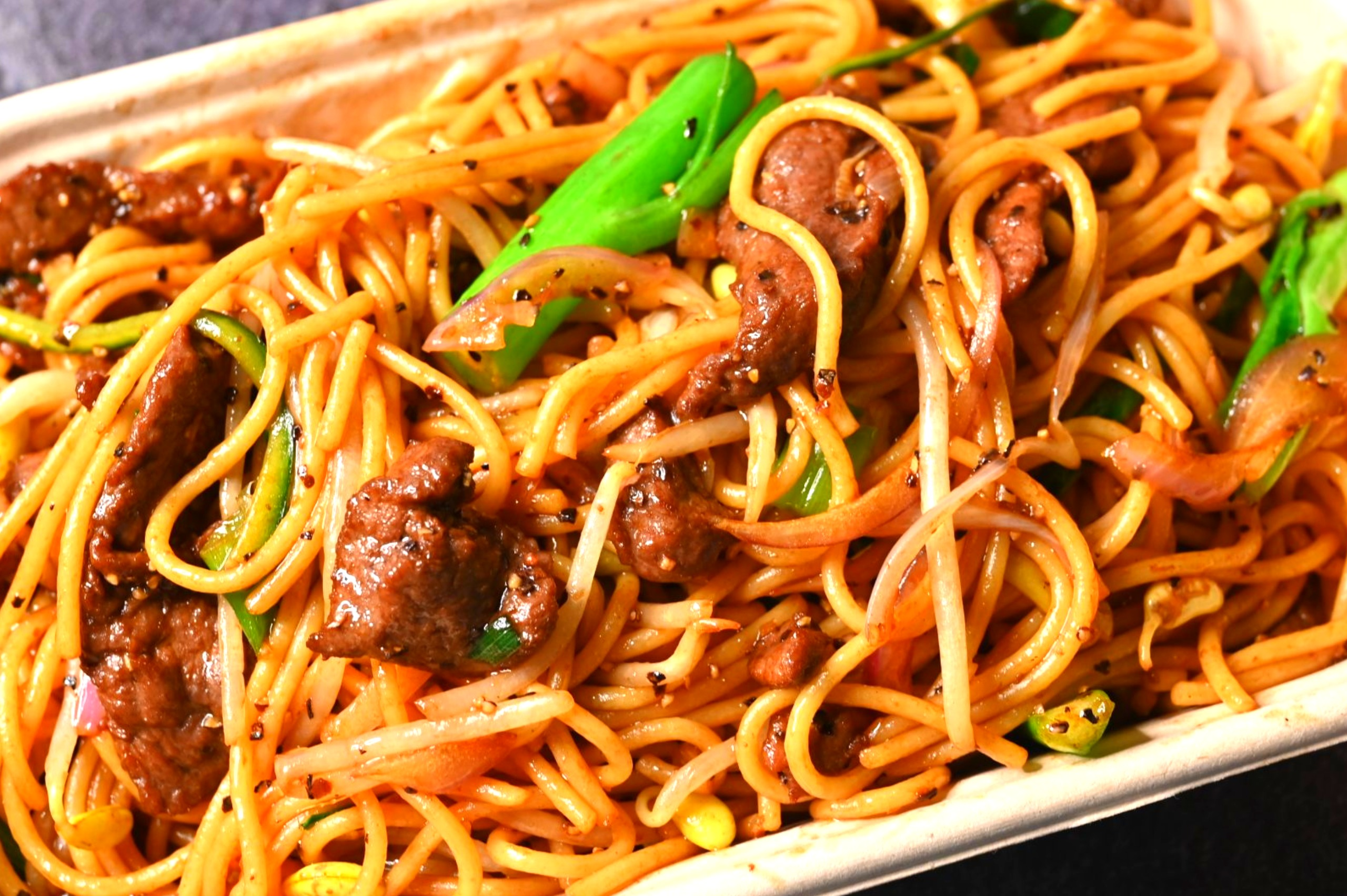 Never Get The Lo Mein At A Chinese Restaurant - Here's Why