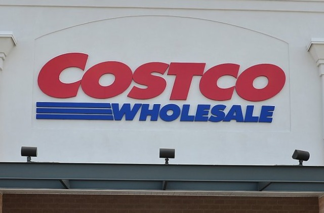 The Unexpectedly Popular Candy at Costco Shoppers Can't Stop Eating